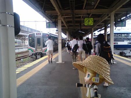 黒磯駅到着、急いで郡山行きに乗り換え! ■黒磯  8:39 → 郡山  9:58...