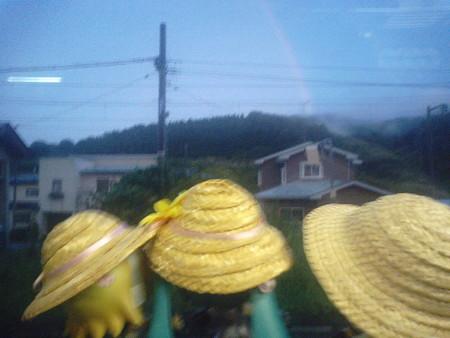 諏訪ノ平駅に停車。 リン:「わははーい♪ 虹が出てるゅ♪♪」 ミク...