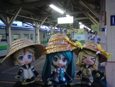 ミク:「釧路駅に、無事到着しました!!」 リン:「長らくのご乗車、...