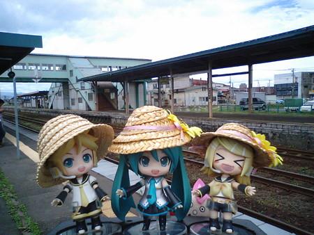 ミク:「定刻で、長万部駅に到着しました!!」 レン:「次の列車まで...