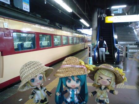 長岡駅に到着です。ここで1時間半以上の時間があります。引き続き待...
