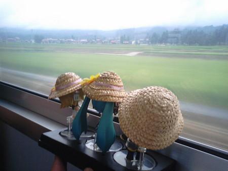 六日町→塩沢間。 レン:「いよいよ高原列車ぽくなってきたね」