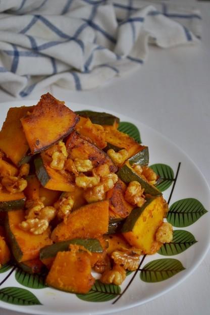 南瓜と胡桃のマヨネーズ炒め
