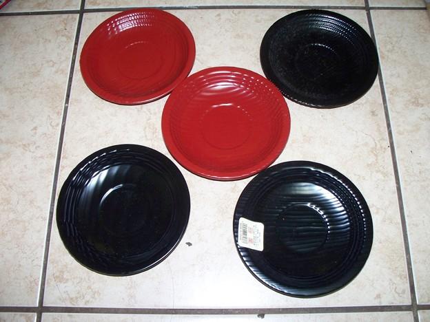Tea cup saucer  Plastic 茶托赤黒
