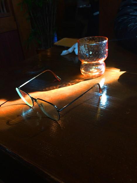 メガネとグラス