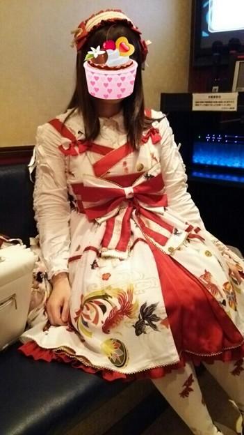 今日のお出かけで着た服。メタモの乙女の白昼夢のタックJSK。金魚のプリントとタックJSKのデザインがめちゃ可愛い(*´ω`*)