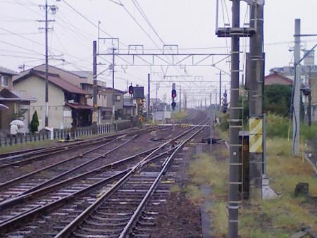 081026-弥富駅南踏切2