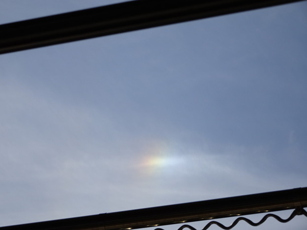 晴れの日の虹 彩雲 (6)