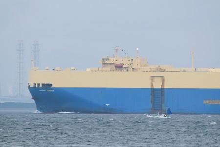 3)180m GRAND CHOICE(35mm換算690mm)北航船 富津火力発電所方面
