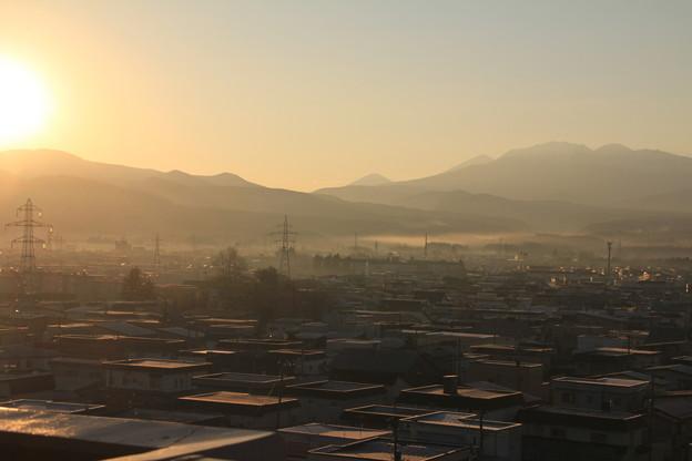 里山の朝景色