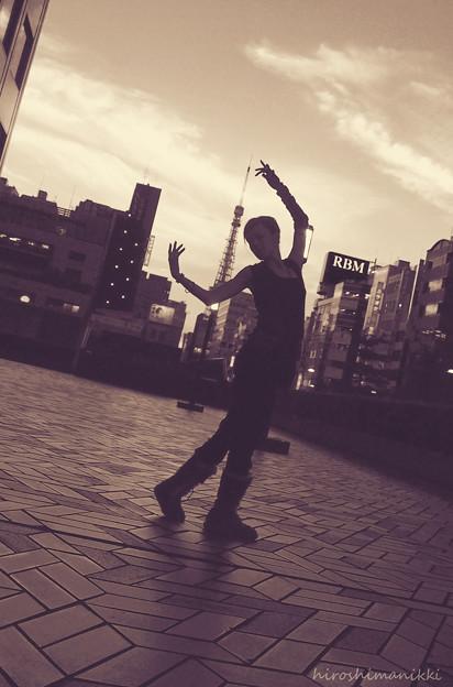 Dancing in the twilight 3