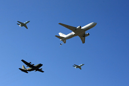 KC-767 C-130H U-125A による異機種編隊飛行 IMG_9125_2