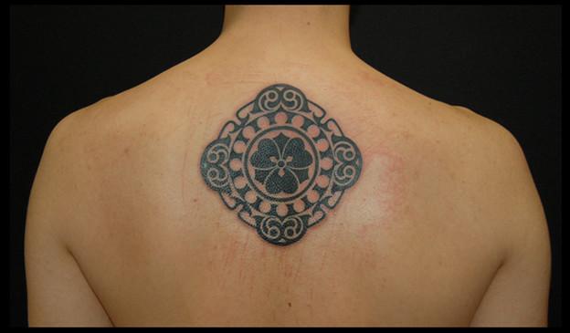 タトゥー 大阪 刺青 トライバル 家紋 民族模様 tattoo tribal タトゥースタジオ
