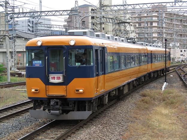 久しぶりに乗った近鉄特急は、最古参16007Fでした。 @近畿日本...