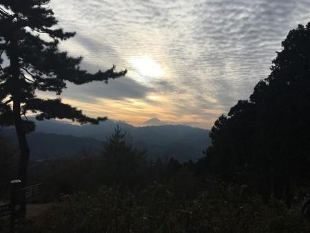 城山から富士山を望む