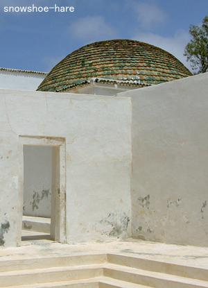 廟の丸屋根
