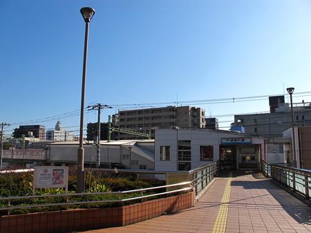 仲木戸駅前1