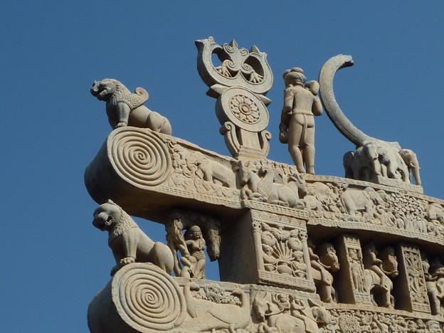 珠玉の北塔門 Buddhist symbols,Northern torana