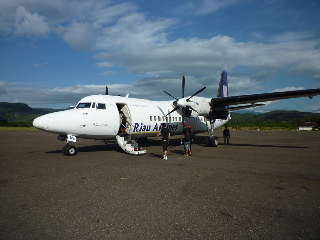 Photos: コモドドラゴンの島のフォッカー50 A little anxious about Fokker50