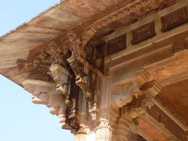 アンベール城  Double collanade of Diwan-i-Aam