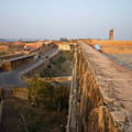 Photos: ジャイガル要塞 The defensive wall at Jaigarh Fort