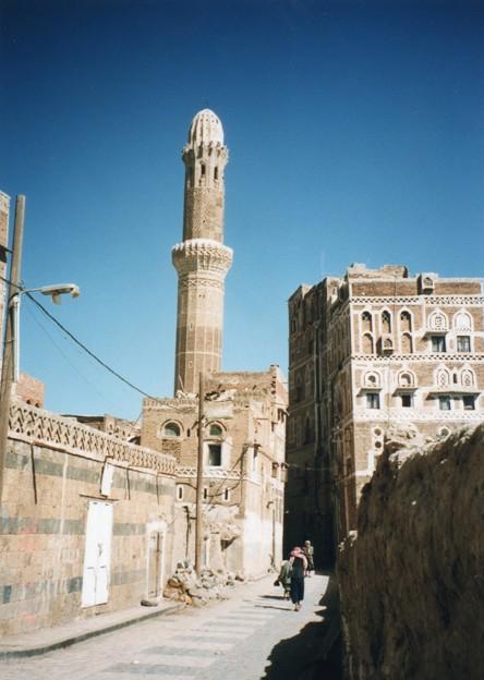 サナア旧市街、イエメン Old City of Sana'a,Yemen       *くたびれてよべ着きし身を驚かすアザーンの声に目覚めけるかも