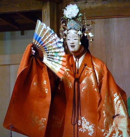 富士の高嶺かすかになりて天つ御空の霞に紛れて失せにけり                     Hagoromo