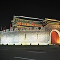 写真: 水原華城八達門 Hwaseong Fortress Paldalmun Gate