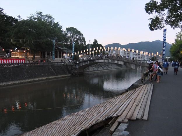 和霊大祭の宵01 須賀川にかかる神幸橋