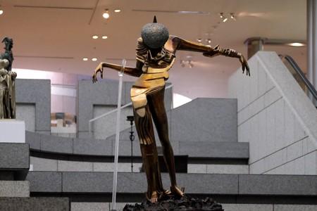 2016.03.29 横浜美術館 バラの頭の女性 サルバド-ル・ダリ