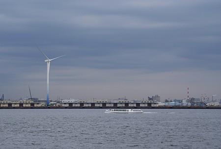 風車と・・シーバスと・・空と・・♪