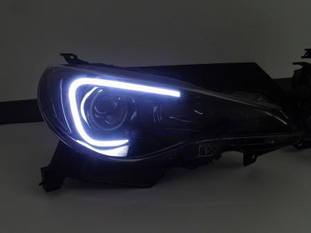 BRZ 愛知県 ヘッドライト加工インナーブラックアウト ホワイトLED点灯時 右