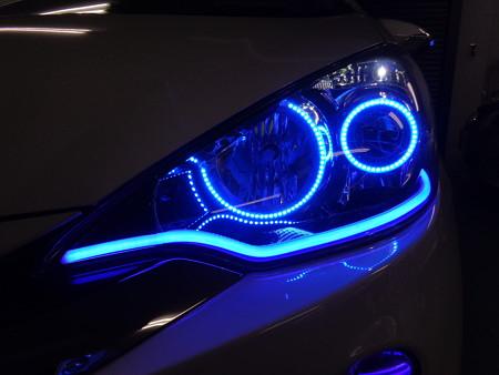 トヨタAQUA 東京都 ヘッドライト加工 ブルー左