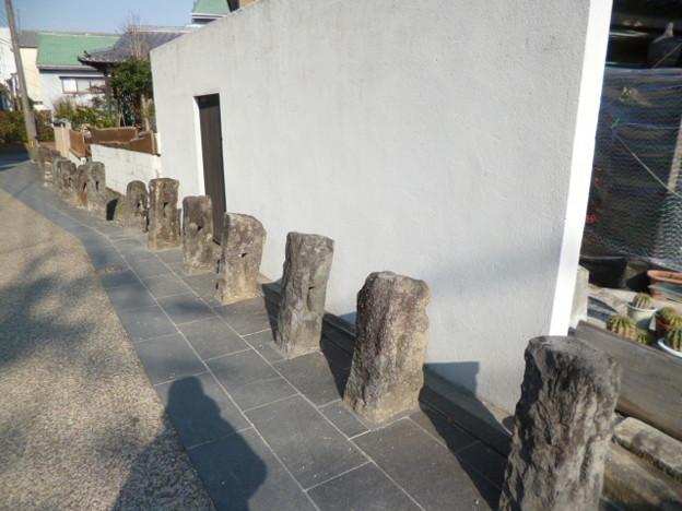 大川 藩境石列