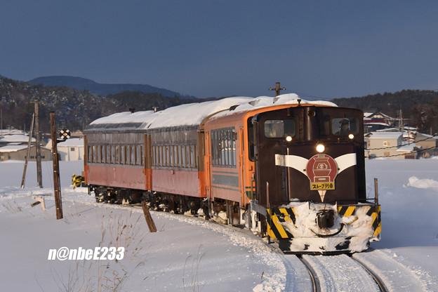 156レ(ストーブ列車6号) DD352+津軽21-104+オハフ331+オハ463