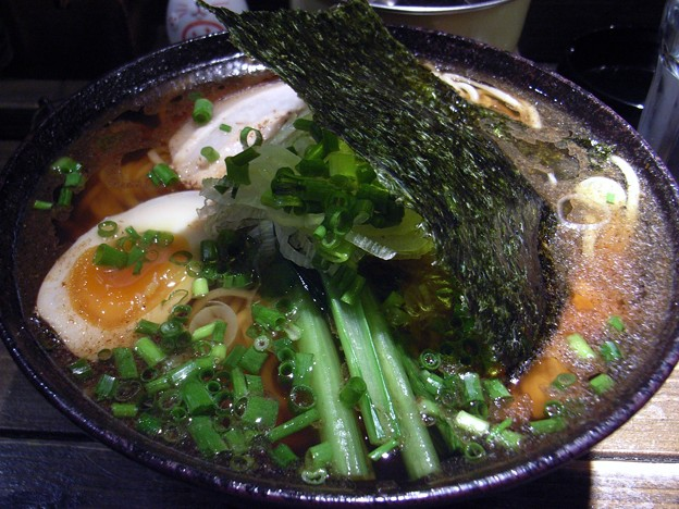 写真: 魚醤油らぁめん・バラ巻きチャーシュー@喜元門・小美玉市