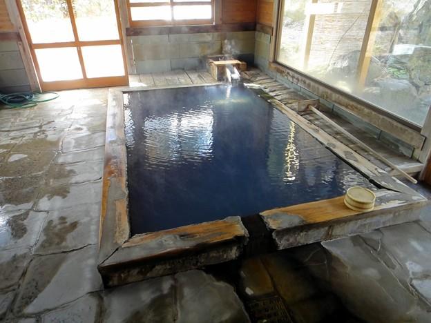 西山温泉 旅館中の湯・湯小屋の内湯(貸切)@福島県柳津町