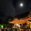 Photos: 舞殿に月20140807