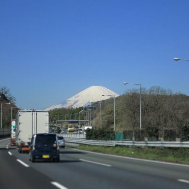 だんだん大きく見えてくる富士山