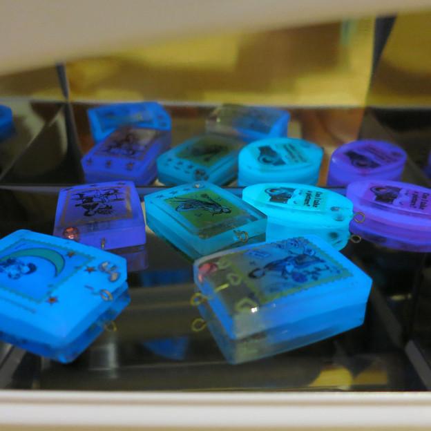 3色の蓄光カラーパウダー