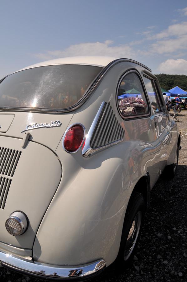 国民車スバル360
