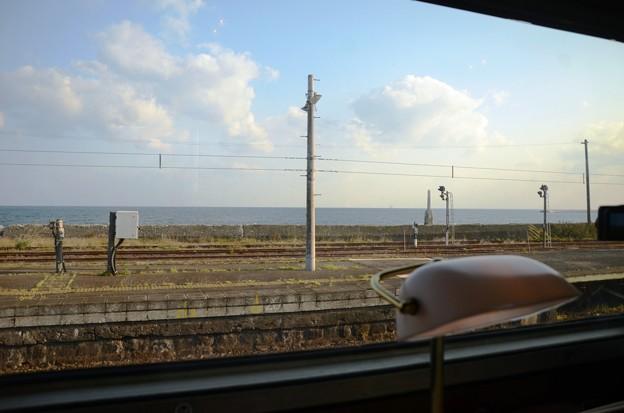 森駅と噴火湾 1レ北斗星号グランシャリオの車窓から