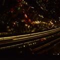 夜の浜松駅 停車のこだま685号と追い越すのぞみ135号