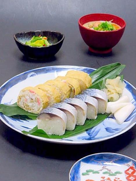 Photos: 今晩は、鯖の棒寿司、しっとり京あげ巻き巻き寿司、甘藍の塩麹漬け、粕汁