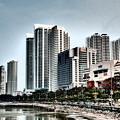 海沿いの街、ガーニードライブ。