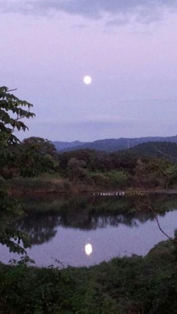 北上川の仲秋の満月