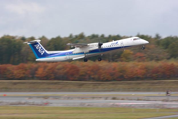 Q400 JA841A Takeoff