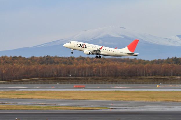 ERJ170 JA212J takeoff