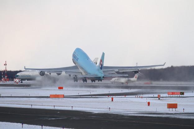 B747 KAL takeoff