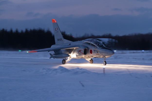 T-4 203sq Nightへ